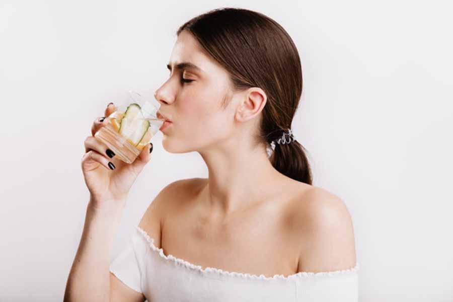 Bevande-drenanti-per-eliminare-la-pancia