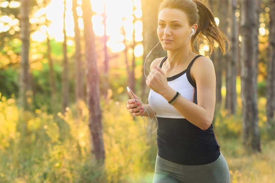Per-perdere-grasso-localizzato-e-necessario-dare-la-priorita-al-cardio-o-all-allenamento-con-i-pesi