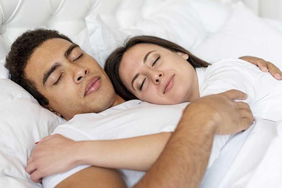 Il-sesso-potrebbe-promuovere-un-sonno-ristoratore