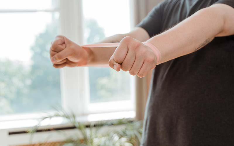 7 esercizi anticellulite per tonificare le braccia