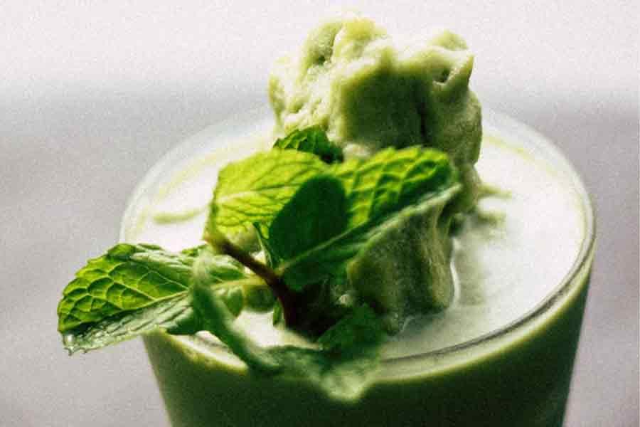 5 ricette di frullati verdi facili da fare con molti benefici